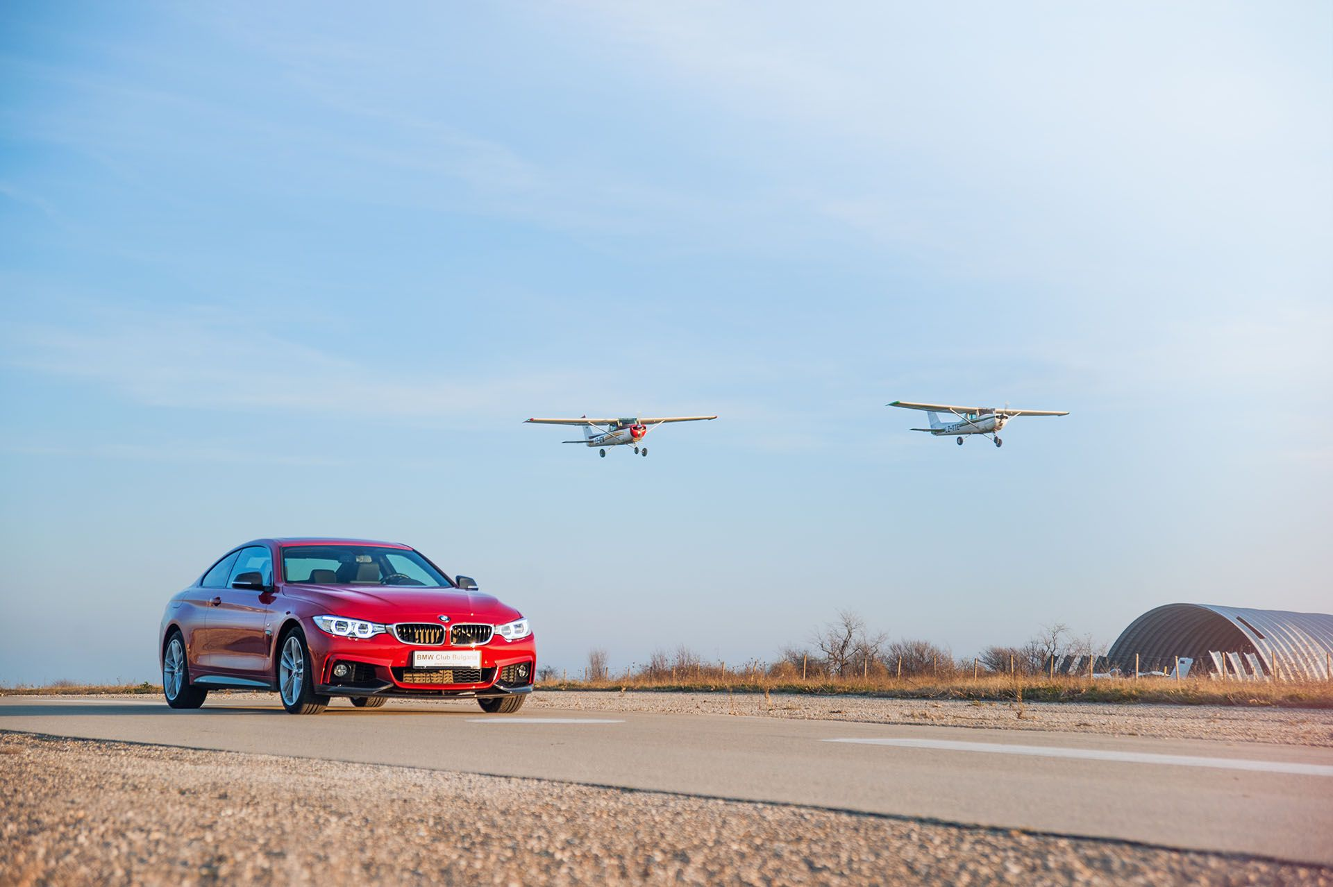 BMW 440i xDrive M Performance Edition RED – на една крачка от М4